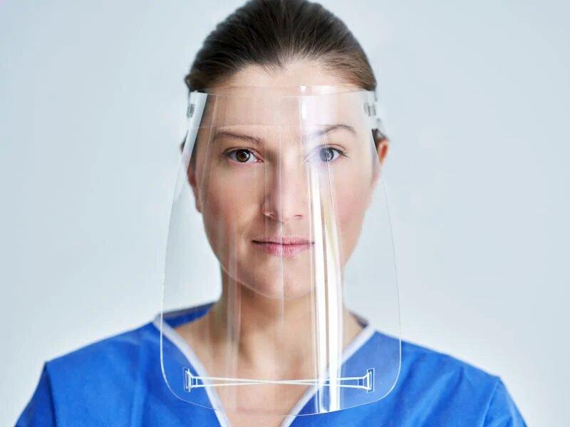 Могут ли лицевые щитки заменить маски в предотвращении COVID-19?